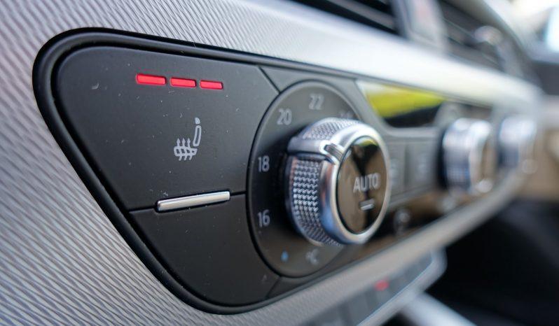 AUDI A4 BERLINE 2.0L TDI 150 CH ULTRA DESIGN complet